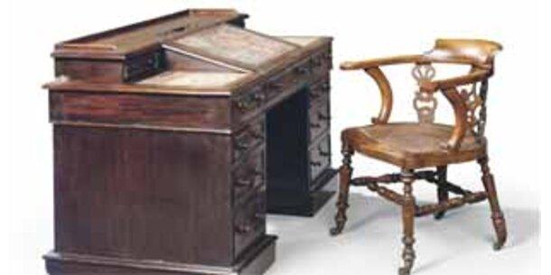 Tisch und Stuhl von Charles Dickens versteigert