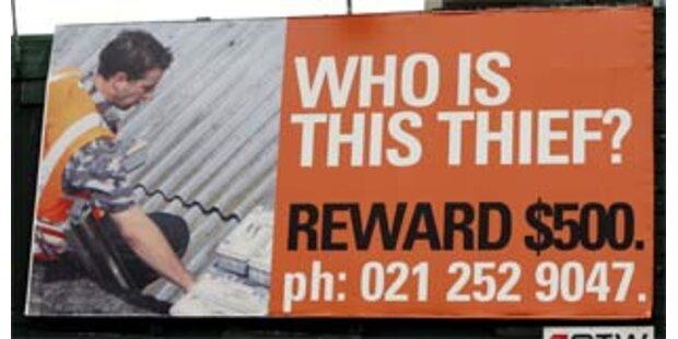 Dieb wird mit Foto auf Plakatwänden gejagt