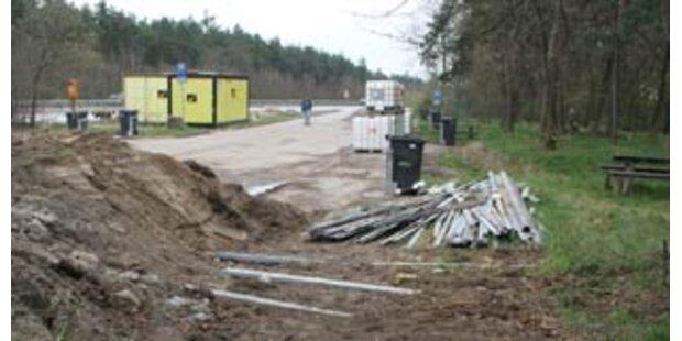 Diebe stehlen 2 km Leitschiene in Deutschland