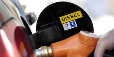 Prozess wegen Steuerbetrugs mit Diesel in Salzburg gestartet