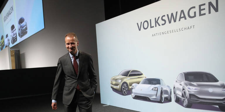 VW-Chef sagt Tesla den Kampf an