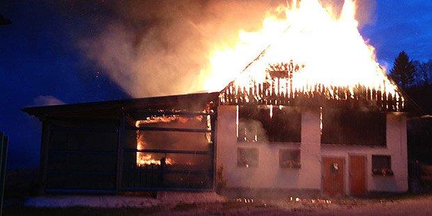 Stall brennt aus - 100.000 Euro Schaden