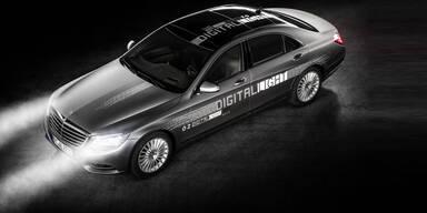 """Mercedes bringt """"sprechende"""" Scheinwerfer"""