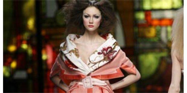 Dior setzt mit Barock und Rokoko erstes Highlight
