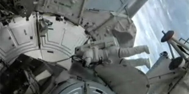 Erste Russin fliegt zur Raumstation ISS