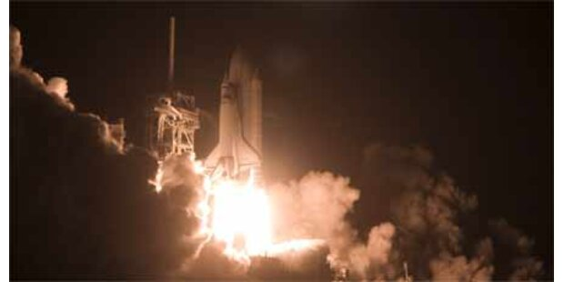 Discovery unterwegs zur ISS