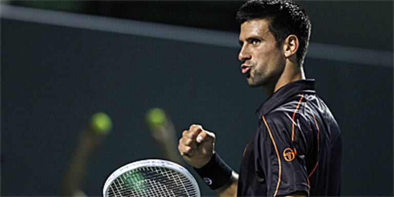 Djokovic weiter makellos