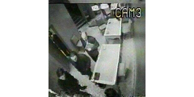Überwachungskamera zeigt Dodi beim Ringkauf