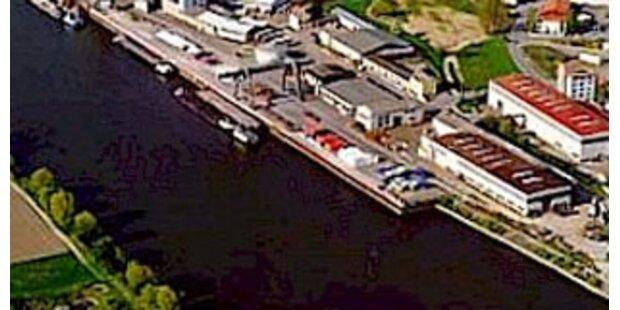 Donau nach Schiffs-Havarie gesperrt