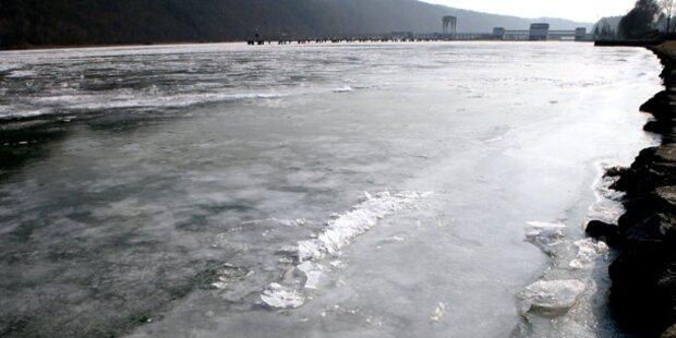 Donau und Wasserrohre gefroren
