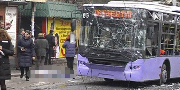 Granate in Bushaltestelle: 13 Tote