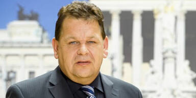 Salzburg: FPÖ schließt 4 Mandatare aus