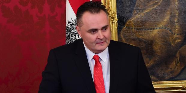 """Ministro da Defesa austríaco afirma: Turquia está """"caminhando diretamente em direção a uma ditadura"""""""