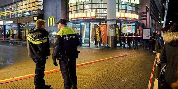 Messer-Attacke in Den Haag: Mehrere Verletzte