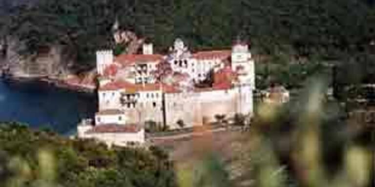 Schlepper brachten Frauen in Mönchsgebiet Athos