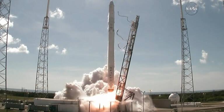 Privater Raumfrachter beim Start zerbrochen