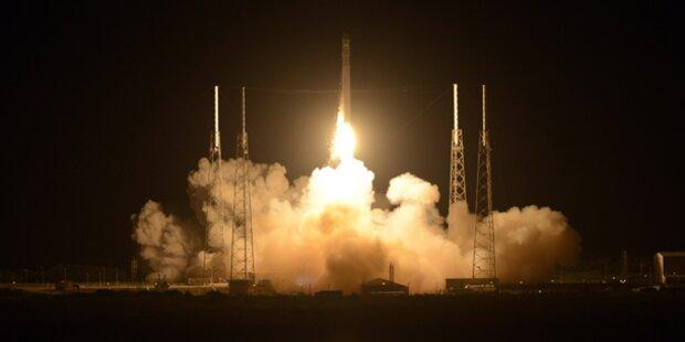 Raumfrachter bringt Scottys Asche ins All