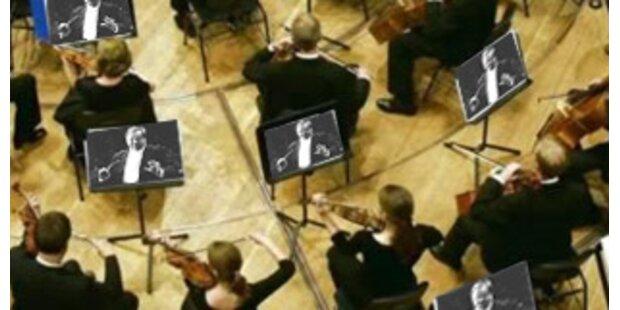 Musiker in ganz Europa via Bildschirm dirigiert