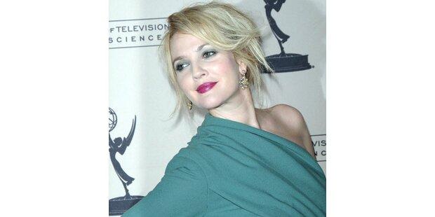 Drew Barrymore zeigt sich zweifarbig