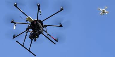 Spanien überwacht Ausgangssperre mit Drohnen