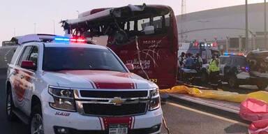 Höhenbegrenzung schlitzt Airport-Bus auf: 17 Tote