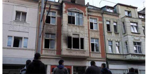 Drei Kinder sterben bei Feuer-Drama