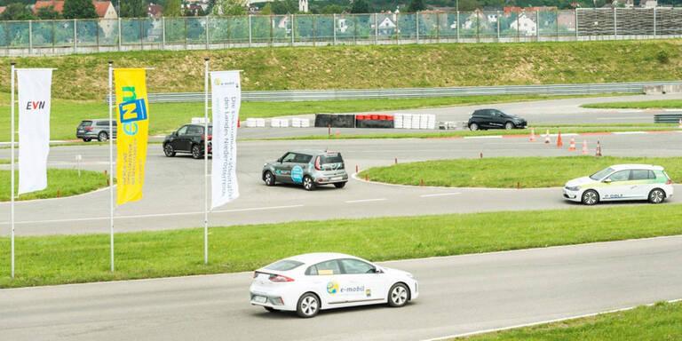 Zahlreiche E-Autos gratis testen