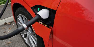 In 8 Minuten aufgeladen: Super-Akku für E-Autos geht in Serie
