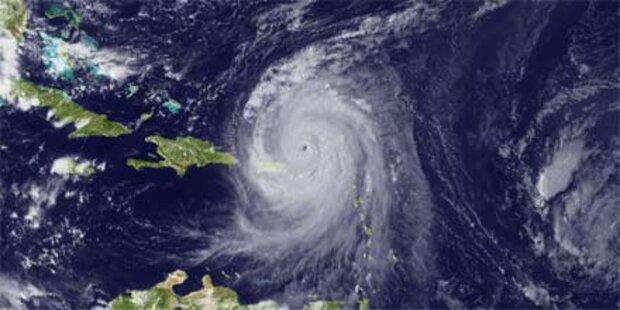 Hurrikan Earl zieht in Richtung US-Küste