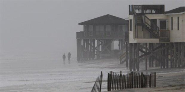 Hurrikan Earl erreicht in Kürze US-Küste