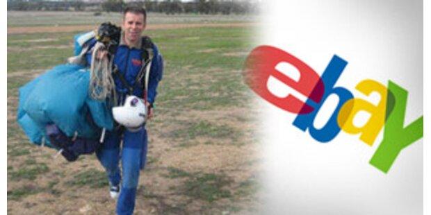 Mann versteigert sein Leben auf eBay
