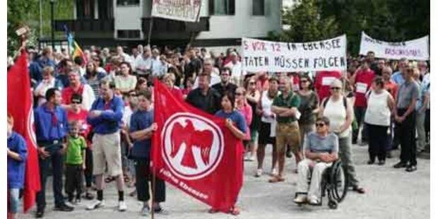 Ebenseer gingen gegen Rechts auf Straße