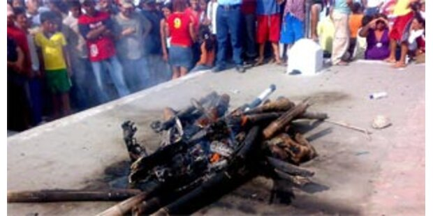 Mob lyncht zwei Kolumbianer in Ecuador