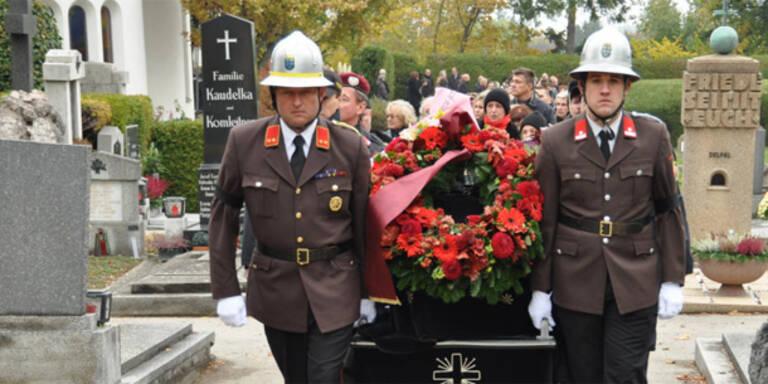 Mödling: Feuerwehrtaucher beigesetzt