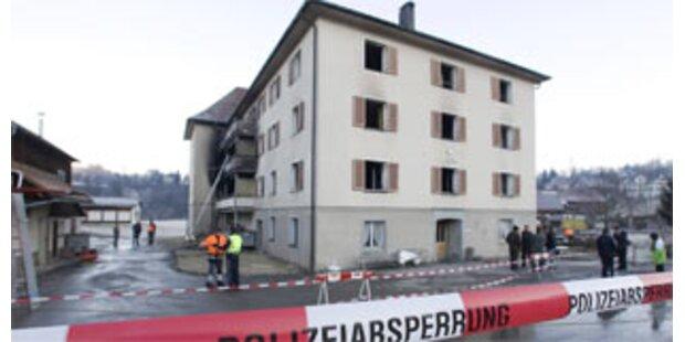 Elf Tote bei Brand in Seniorenheim