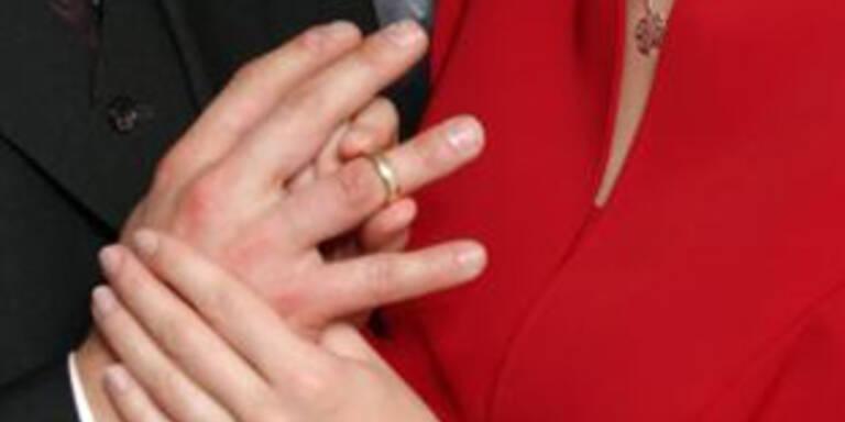 Malaiin verklagt Ehemann wegen Entjungferung