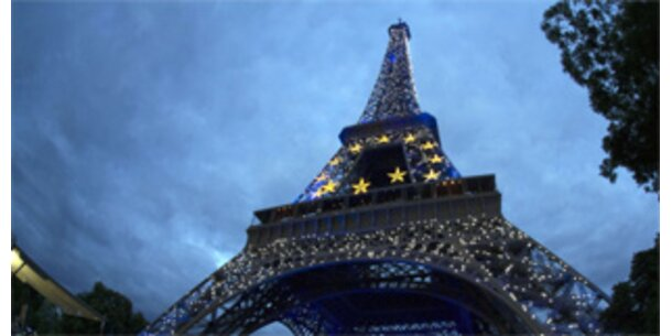 Teil der Treppe des Eiffelturms wird versteigert
