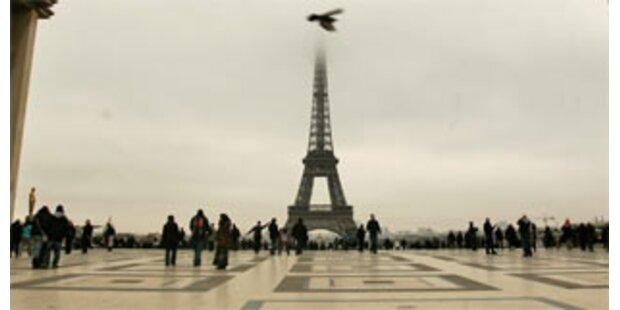 Blutiges Drama in der Nähe des Eiffelturms