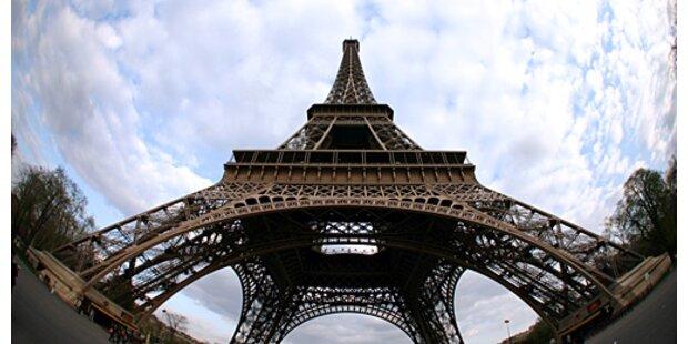 Madame fliegt nach Paris