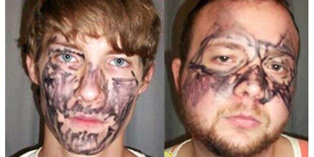 Einbrecher bemalten sich mit Filzstift