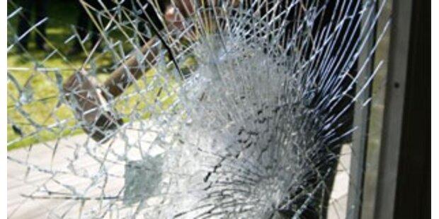 Überfall auf Einfamilienhaus - 8.000 Euro Schaden