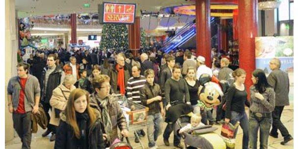 Österreicher kaufen Geschäfte leer