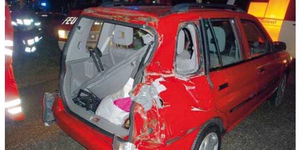 Frau überlebt Zug-Crash