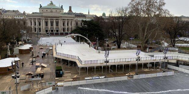 Doppelstöckiger Wiener Eistraum nimmt Gestalt an