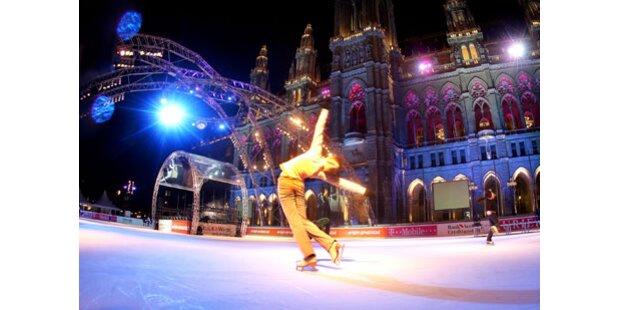 Wiener Rathausplatz wird zum Eistraum
