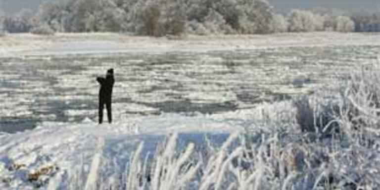 Elbe wegen Eis auf rund 100 Kilometern gesperrt