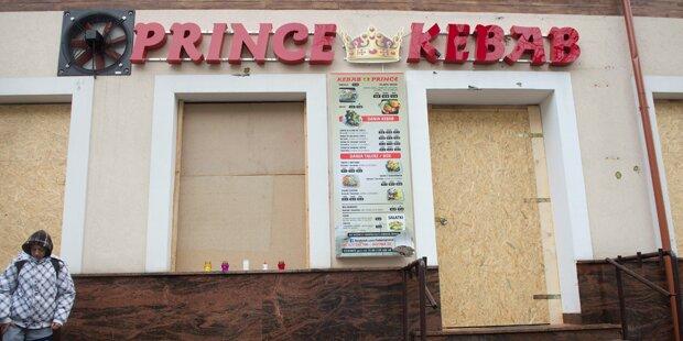 Wütender Mob randaliert vor Kebab-Laden