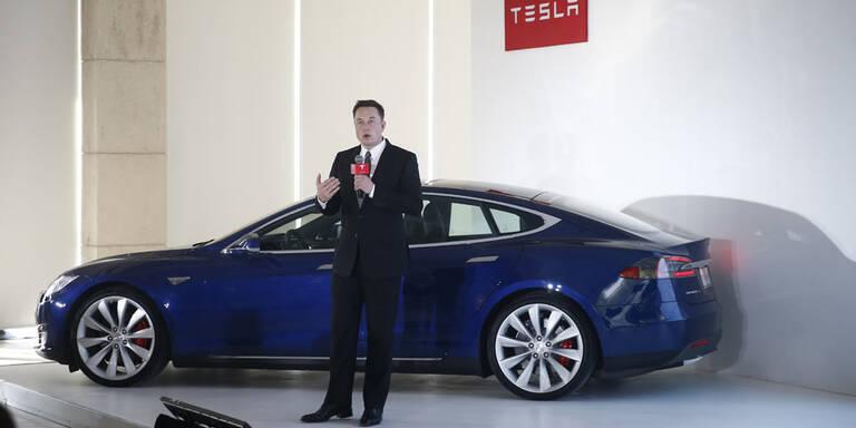 Tesla-Chef Musk schläft in der Fabrik