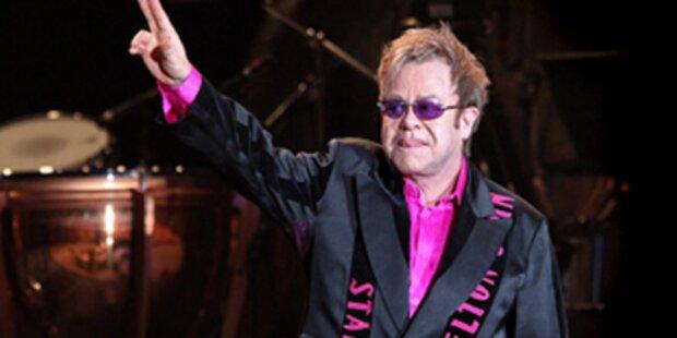 Sir Elton John ist Papa
