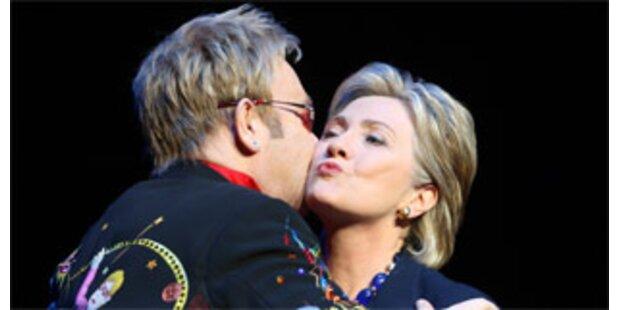 Elton John sammelt 2,5 Mio Dollar für Hillary